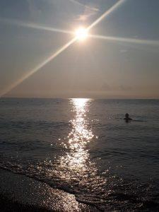 alba loano in spiaggia